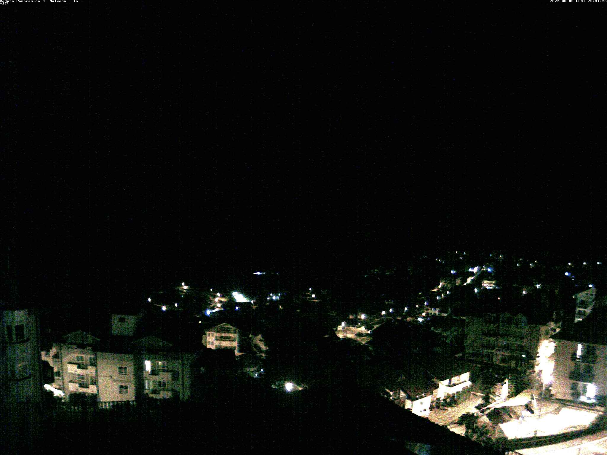 http://webcam.molveno.it/webcam/paese.jpg